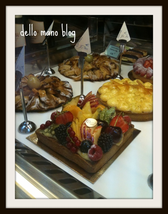 cake and pastry displays