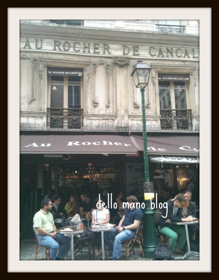 Cafe on Rue Montrogueil in Paris
