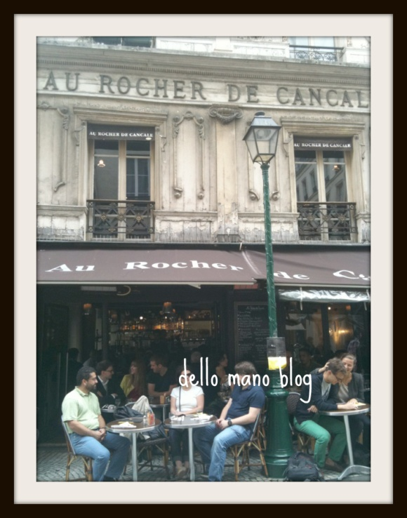 Cafe on Rue Montrogueil in Paris