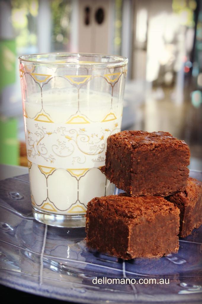 dello mano brownies and milk