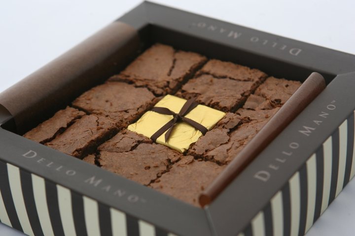 9 piece gift box Dello Mano Brownies