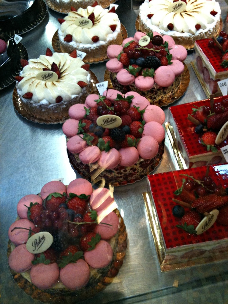 Stohrer cakes
