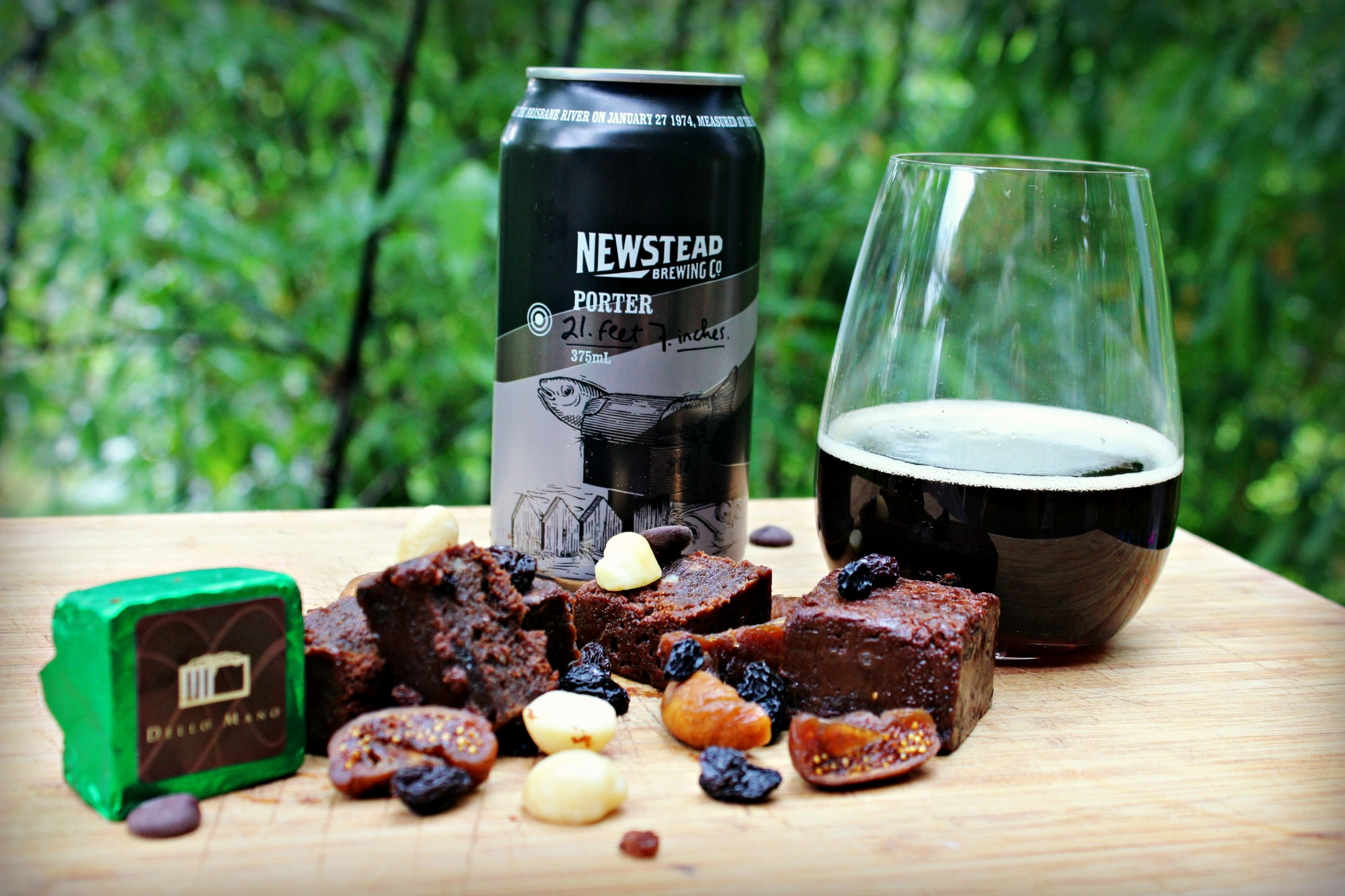 Dello Mano Christmas Brownie and Newstead Brewery Porter